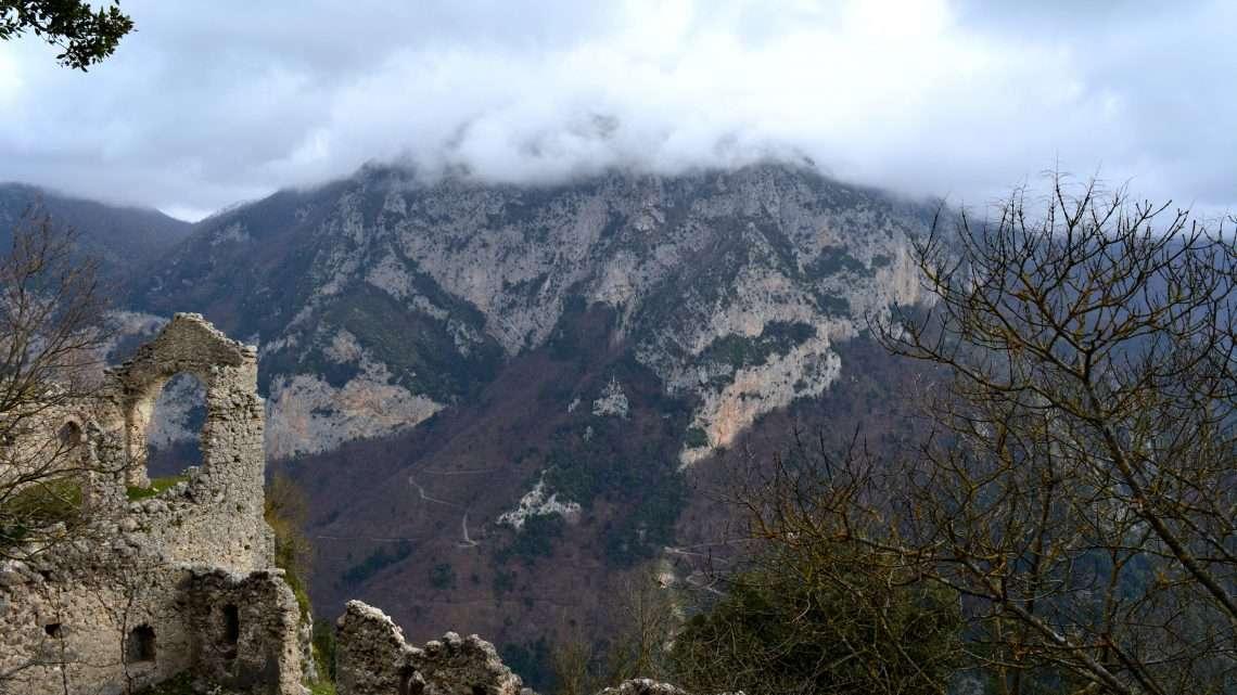 Castrum Olibani, natura e storia di Olevano sul Tusciano.