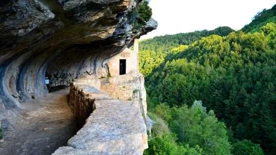 """I borghi """"presepe"""" dell'Abruzzo tra storia e natura."""
