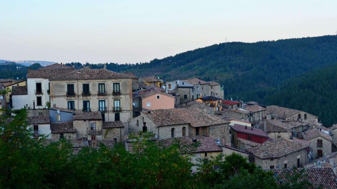 La storia all'ombra delle montagne: Longobucco e San Giovanni in Fiore.